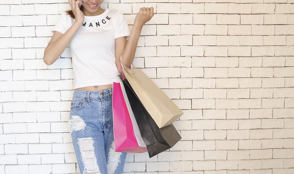 Tote bag personnalisé : un article publicitaire moderne